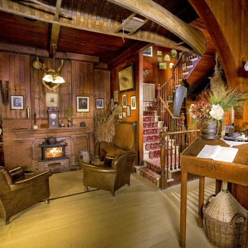 Club House 04